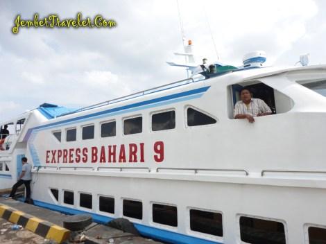 Kapal Express Bahari