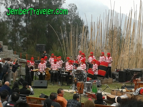 Kelompok Musik Etnik Kramat Madura