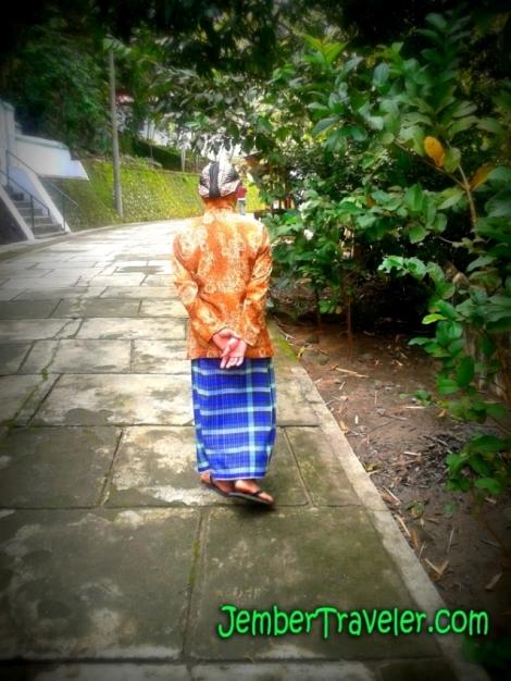 Bapak Abdi Dalem dari Kasultanan Yogyakarta
