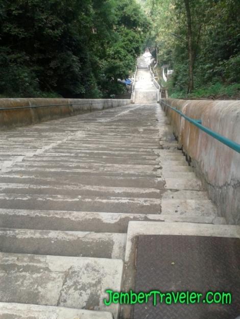 Hosh Hosh Hosh... Perjuangan setelah mendaki tangga terpanjang