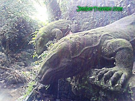 Patung Komodo
