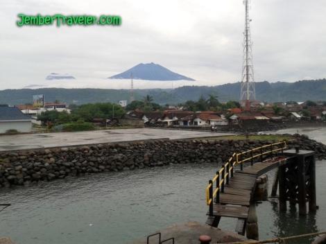 Kapal Feri berangkat dari Pelabuhan Ketapang, Banyuwangi