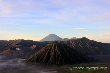 Gunung Bromo, Gunung Batok, dan Mahameru