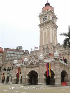 Salah satu bangunan kementrian kerajaan Malaysia
