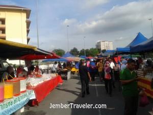 Suasana di Pasar Baru