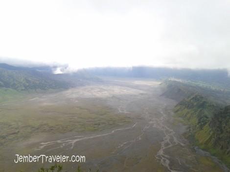 kiri-kanan : Bromo, Lautan Pasir, Cemoro Lawang