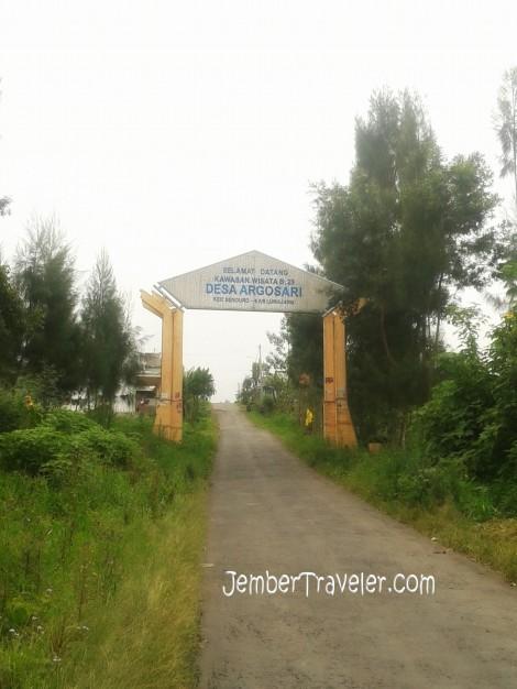 Desa Argosari yang kami lewati