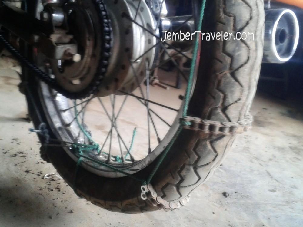 Puncak B29 Argosari Lumajang : Desa di Ujung Awan (5/6)