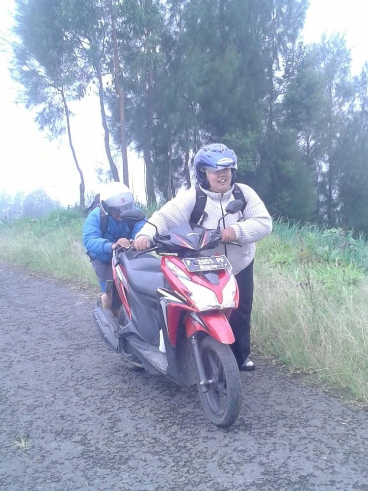 Puncak B29 Argosari Lumajang : Desa di Ujung Awan (4/6)