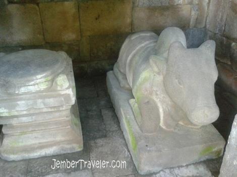 Patung Lembu Nandini pemberani tunggangan Batara Siwa