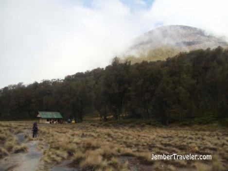 Kalimati - Camping Ground terakhir. Photo by : Daniel Denz