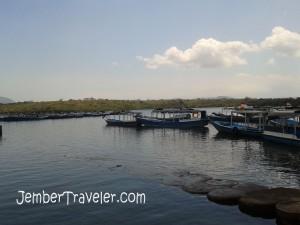 Pelabuhan di dekat Mimpi Resort