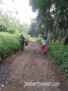 Kehidupan sederhana pekerja di perkebunan