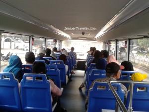 Suasana pengunjung di bus tingkat 2