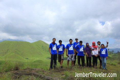 Beberapa anggota group Jember Backpacker. Photo by : Vj Lie