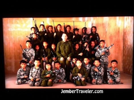 Video Anak Kecil dilatih Militer
