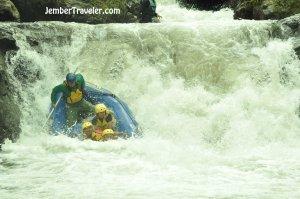 Ndayung Rafting 08