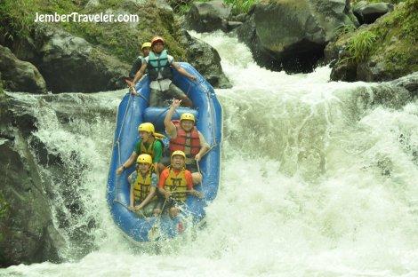 Ndayung Rafting 09