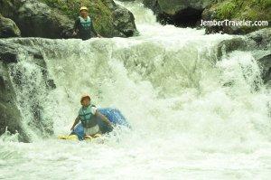 Ndayung Rafting 10