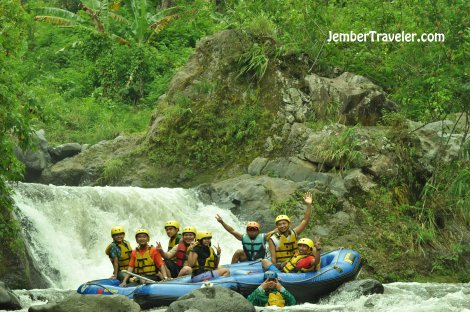Ndayung Rafting 11