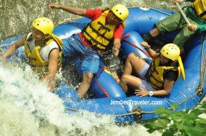 Ndayung Rafting 12