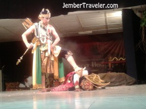 Arjuna mengalahkan Prabu Niwatakawaca