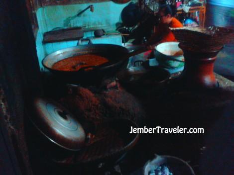 Tungku masak di Gudeg Pawon