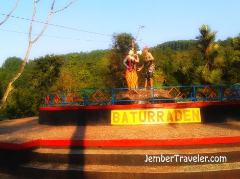 Patung Tari Tradisional Baturraden