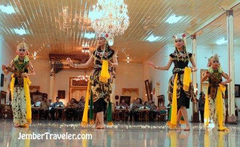 Jember Traveler Tari Klasik 12
