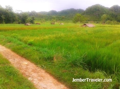 Jember Traveler Watu Lumbung 01