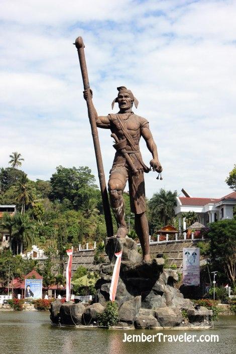 Monumen Perjuangan Lakipadada