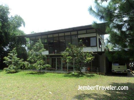 Rumah Belajar Magno Wooden Radio