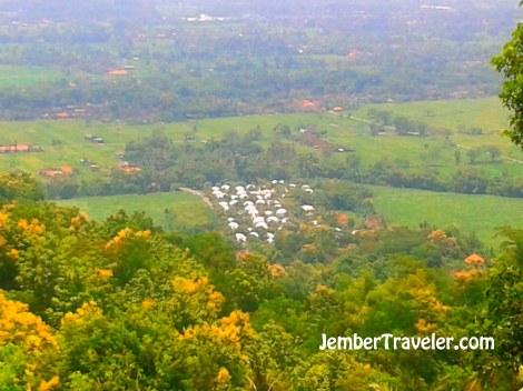 Kampung Dome dari Bukit Teletubbies