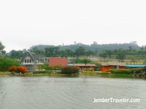 Pemandangan di floating market