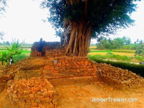 Jember Traveler Candi Deres 07