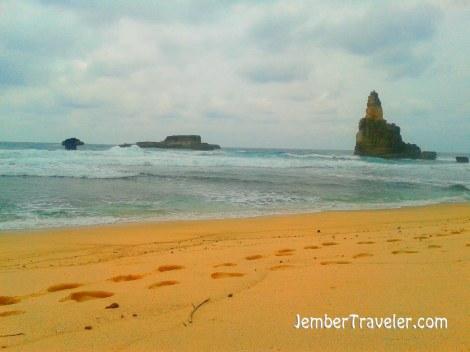 Jember Traveler Pantai Buyutan 08