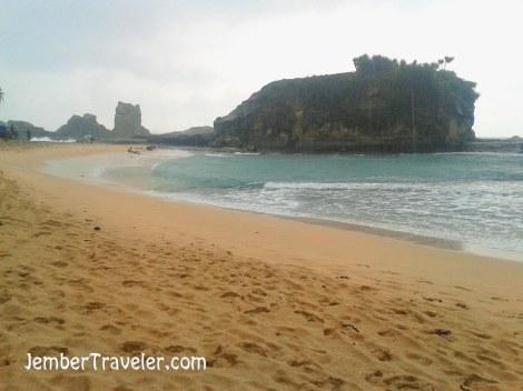 Jember Traveler Pantai Klayar 02