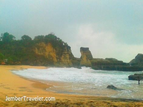 Jember Traveler Pantai Klayar 03