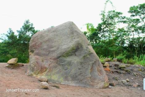 Batu kepala manusia