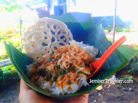 Nasi Pecel khas stasiun kereta api Garahan