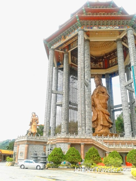 Patung Perunggu Dewi Kwan Im